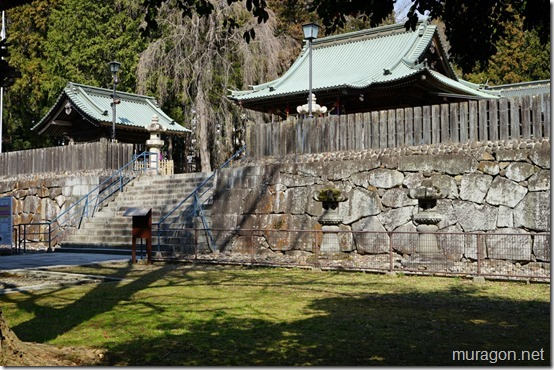 仙台東照宮 拝殿前