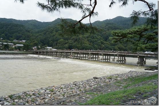 欄干が流された渡月橋