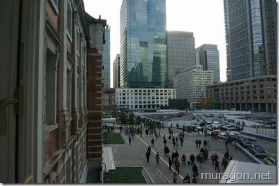 東京駅駅前2階窓より