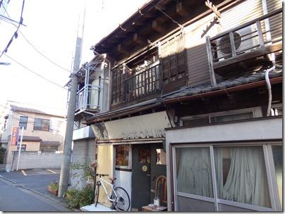 古い建物を利用したお店