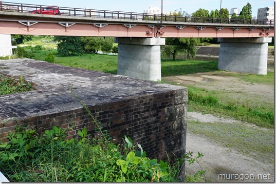 淀橋と広瀬川の河畔