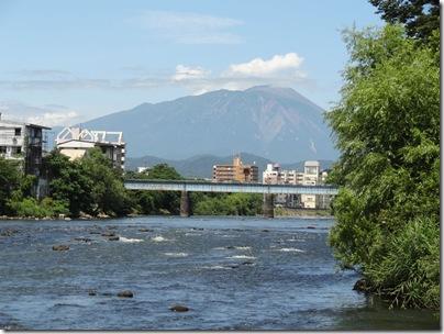 夕顔瀬橋下から見るJR山田線