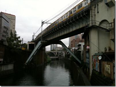 昌平橋から聖橋を眺める
