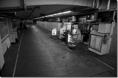 三原橋地下街