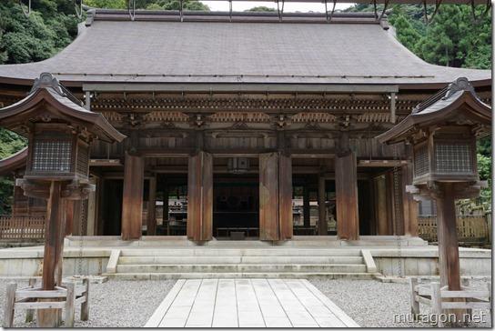 伊奈波神社拝殿