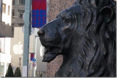 銀座三越のライオン像