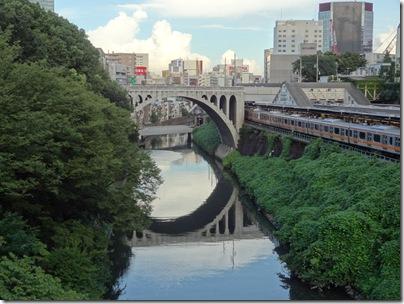 御茶ノ水橋から