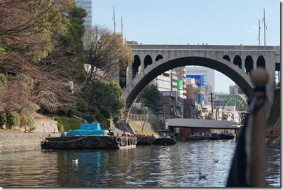 神田川クルーズ 船から見た聖橋(お茶の水)