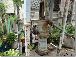 小泉長屋周辺に残る井戸